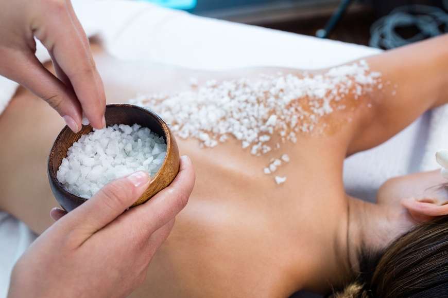 Woman-Body-Scrub-Salt