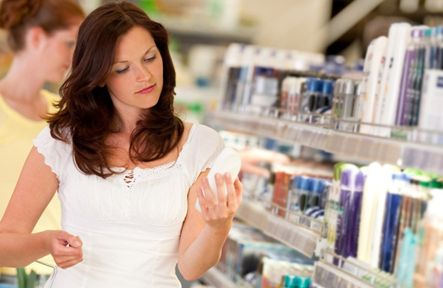 woman-buying-cosmetics